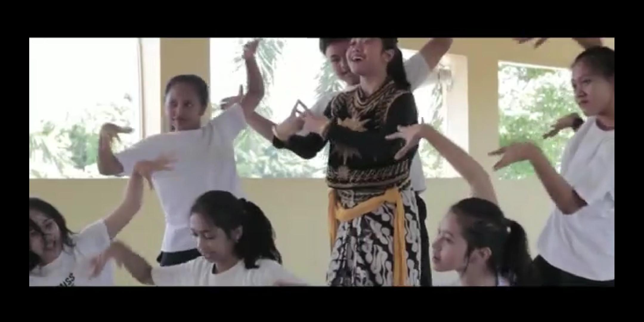 "Flashmob ""Wayang For Student"""